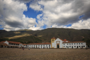 villa de leyva plaza mayor colombia