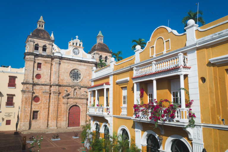How to get to Cartagena: flights, buses & boats